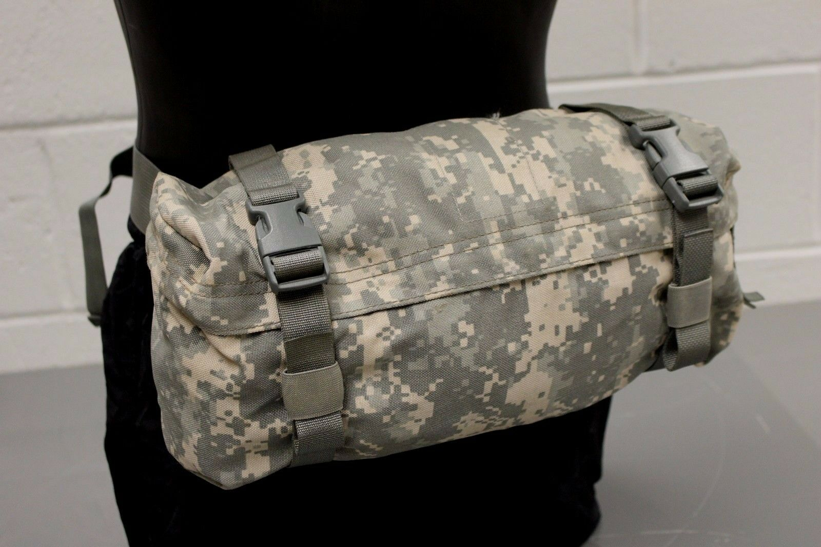 Military Issued ACU Molle II Waist Pack / Butt Pack, 8465-01-524-7263, Excellent