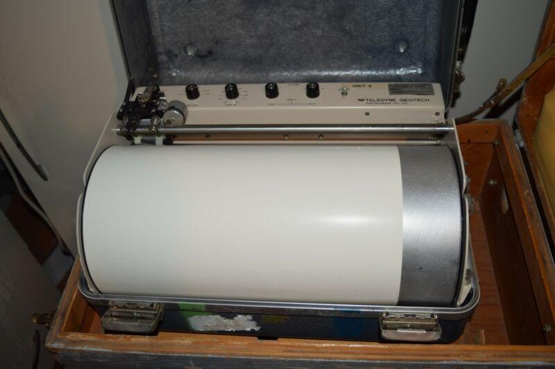 GEOTECH TELEDYNE PORTACORDER Model RV-320  PORTABLE SEISMIC RECORDER