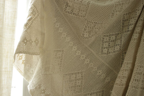 Coverlet Crocheted Lace Antique French bedcover handmade cotton 78X85 in textile