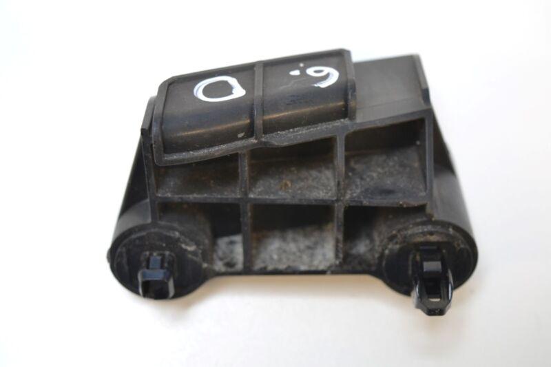 LEXUS GS 450h 2006 RHD REAR BUMPER RIGHT SIDE BRACKET MOUNT 52562-30120
