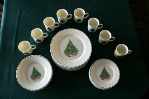 Noel Porcelle House of Salem Christmas Dishes 40 Pc Set MINT! Service for 8 plus