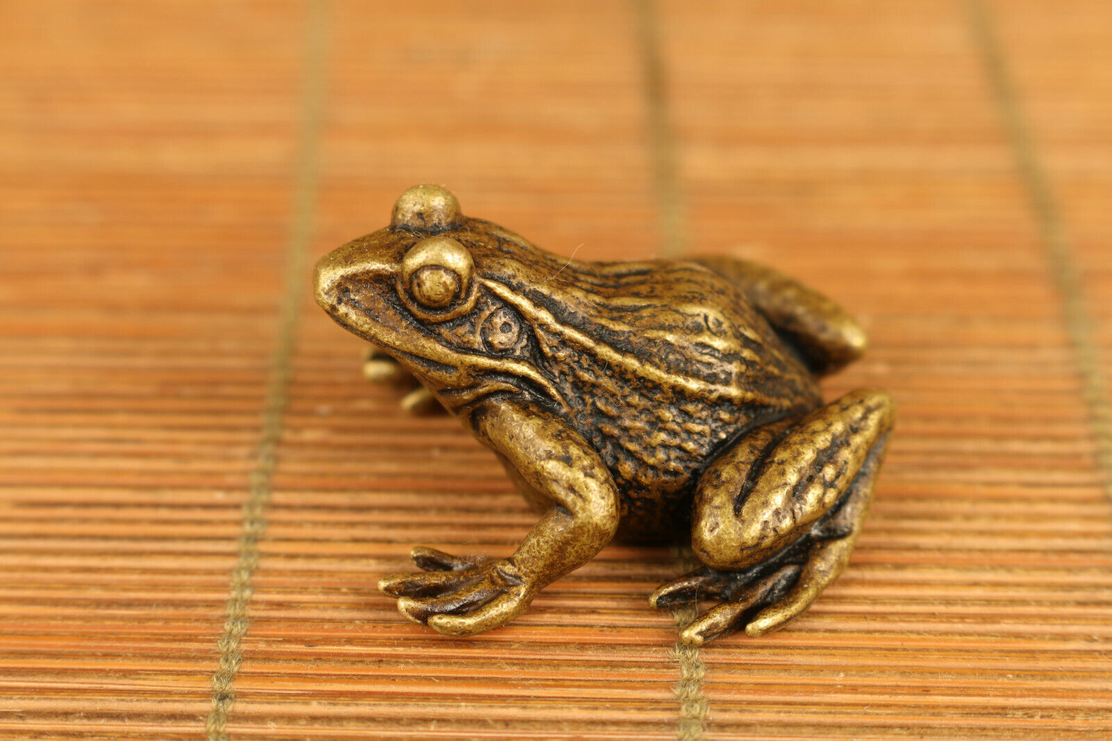 chinese old bronze hand carved fortune frog statue collectable table ornament