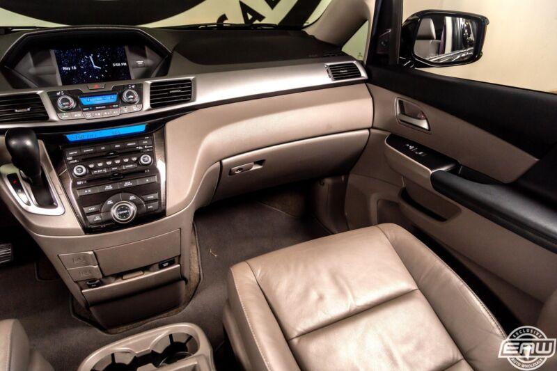 Image 8 Voiture Asiatique d'occasion Honda Odyssey 2013