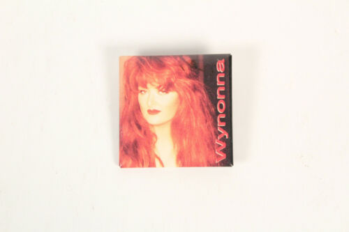 Wynonna Judd button Official pinback badge pin 1994