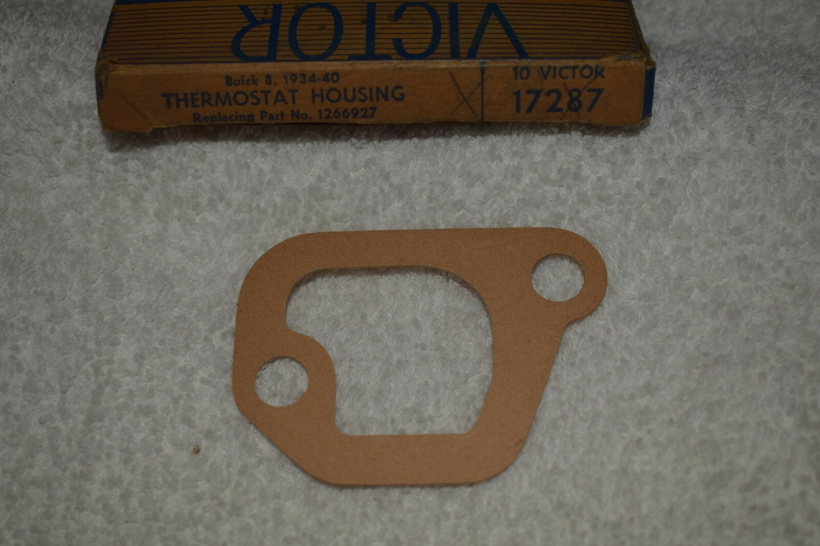 1934-1940 Buick 8 Cylinder Thermostat Housing Gasket Victor 17287 NOS