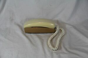 Vintage-ITT-White-Beige-Rotary-Dial-Mini-Wall-Telephone-Read-Full-Desc