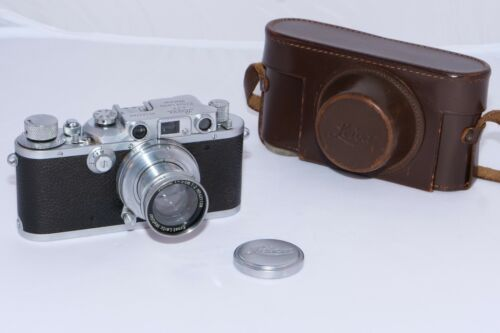 Vintage Leica IIIB Rangefinder 35mm film camera with 5cm f2 Summar lens. MINT-