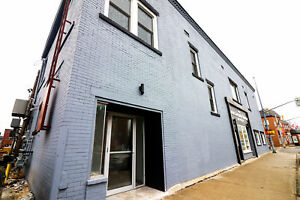**GREAT LOCATION** Commercial Unit Downtown Dunnville!!