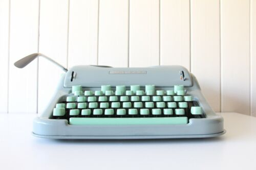 Hermes 3000 Typewriter SWISS MADE *****Excellent Full Working Order *****