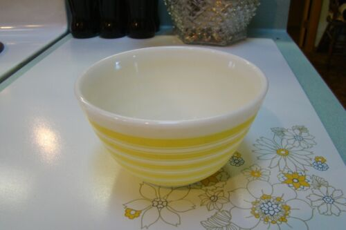 Vintage Rare Pyrex Yellow Stripes Mixing Bowl 401 1-1/2 pt.
