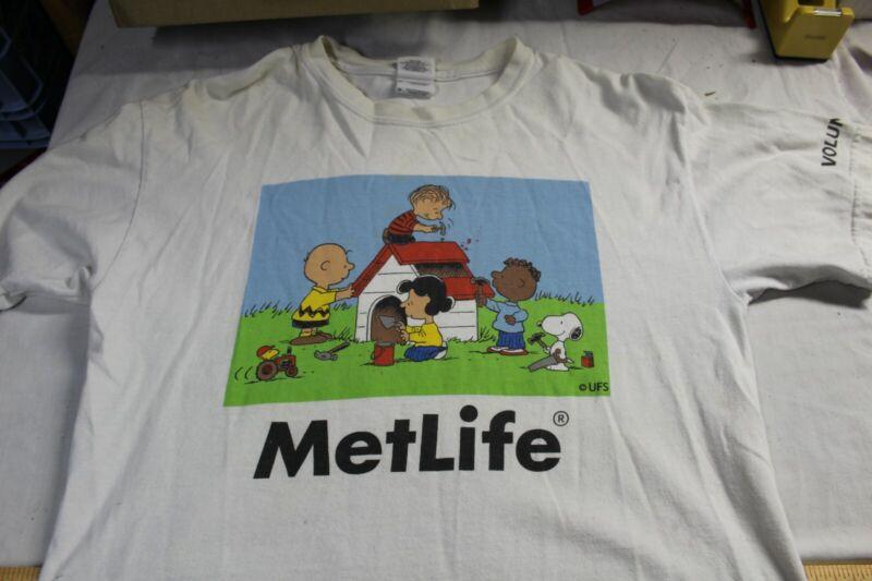 PEANUTS Snoopy MetLife Volunteer Shirt