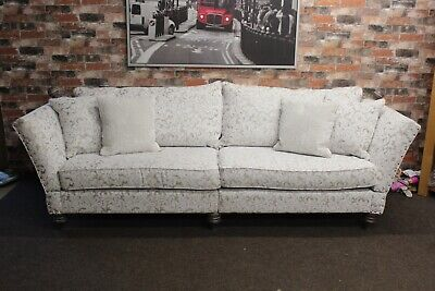 F.V. WINDSOR, VANTAGE GRAND 4 SEATER, KNOLL END SOFA IN CREAM & GOLD FABRIC