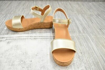 **UGG Milley Wedge Sandal, Big Girl's Size 6, Gold NEW