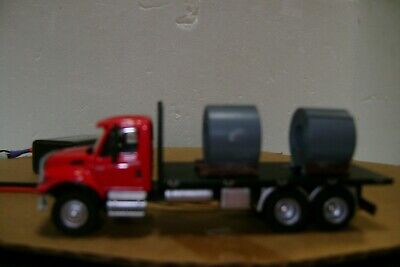 Ho scale truck with working head,taillights and load Ho Scale Working