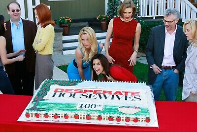 DESPERATE HOUSEWIVES - TV SHOW PHOTO #22 - CAST PHOTO