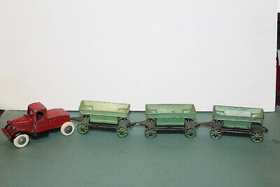 NICE TOOTSIETOY MACK CONTRACTOR SET with THREE TIPPER CARTS Issued -
