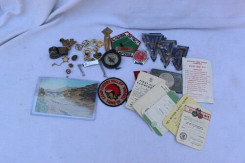 LOT OF VINTAGE BOY SCOUT MEMORABILIA. SEE PICTURES.  GOOD CONDITION.