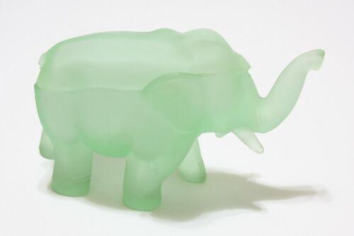 Vintage Tiara Indiana Glass Elephant Chantilly Green Satin Frosted Trinket Box