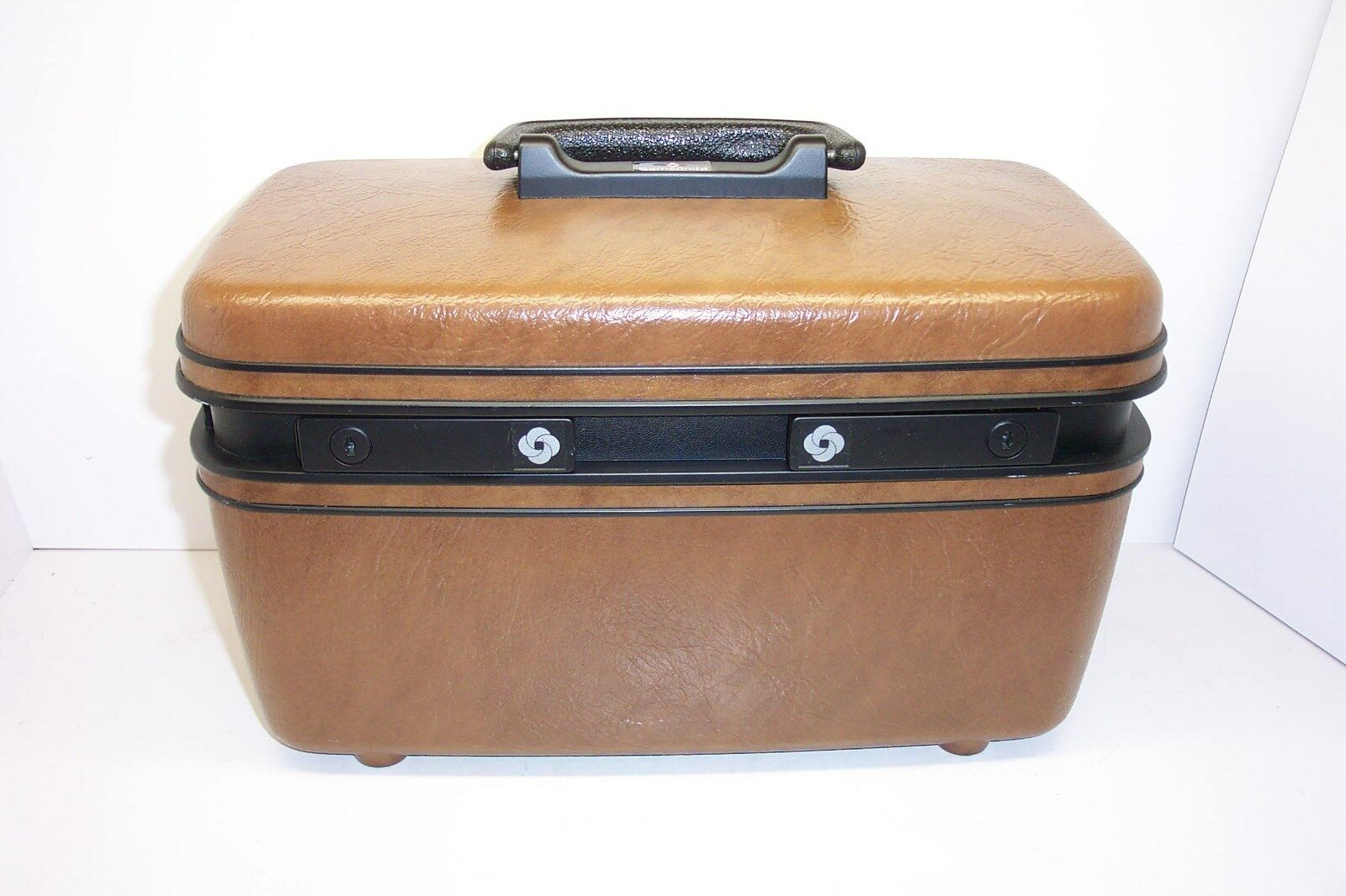 SAMSONITE TRAIN CASE/CARRY ON 46 CARRY PAK WITH KEYS--REMOVABLE TRAY-MED. BROWN - $24.00