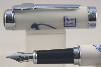 Jinhao No. 950 Series Fountain Pen, Blue & White Porcelain Dragon Design