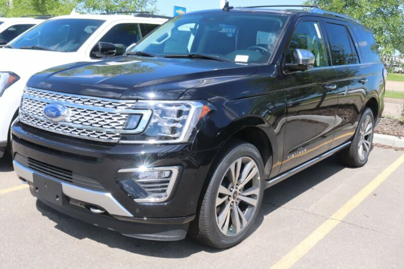 2021 Ford Expedition Platinum in black, 10-Speed A/T ...
