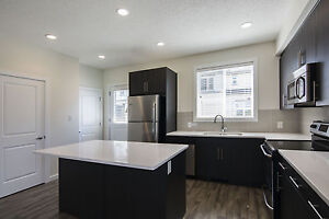 BRAND NEW 3 Bbdrm/2.5 Bath Executive Townhome in Southern Spring