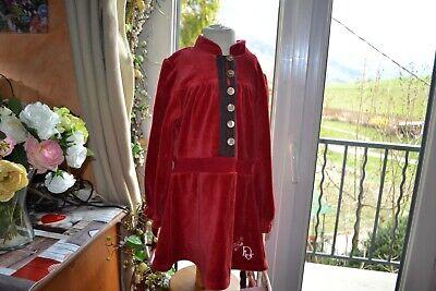 Robe dior  taille 4 ans   rouge avec le papillon prix souple