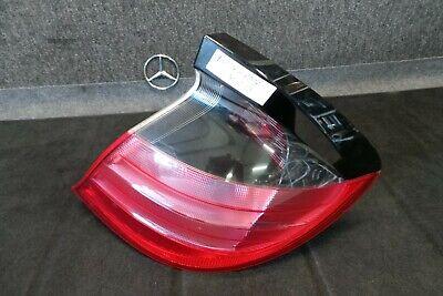 B17-17  * Mercedes Benz W203 CL Rückleuchte rechts A2038200664