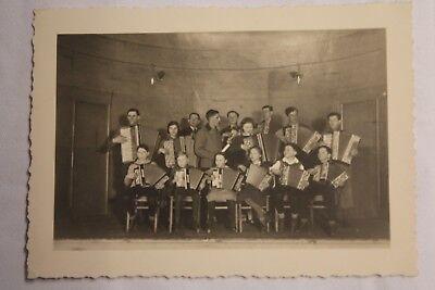 Akkordeon-mädchen (Foto jungen musiker Akkordeon Mädchen girl women 1935 C5)