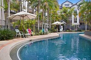 Beachside Fully-furnished 2 - Bedroom Holiday Unit. Labrador Gold Coast City Preview