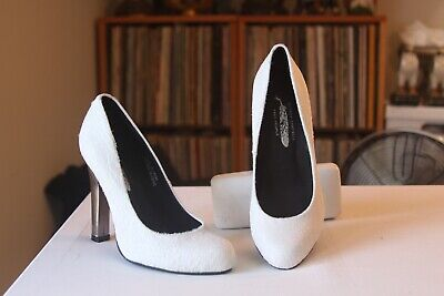Jeffrey Campbell Free People White Fur 4 1/2 Inch Heel Pumps Women's US Size -