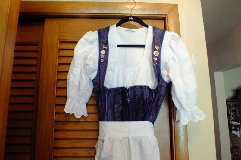Womans size 12 Dirndl with apron and blouse