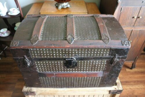Small Antique Steamer Trunk with Tray