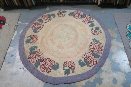 """Primitive Vintage American Hand Made Hooked Rug Cotton on Burlap - 50"""" Round"""