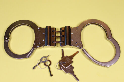 TCH HSH1 V HIGH SECURITY HANDCUFFS, NEW WITH 5 KEYS