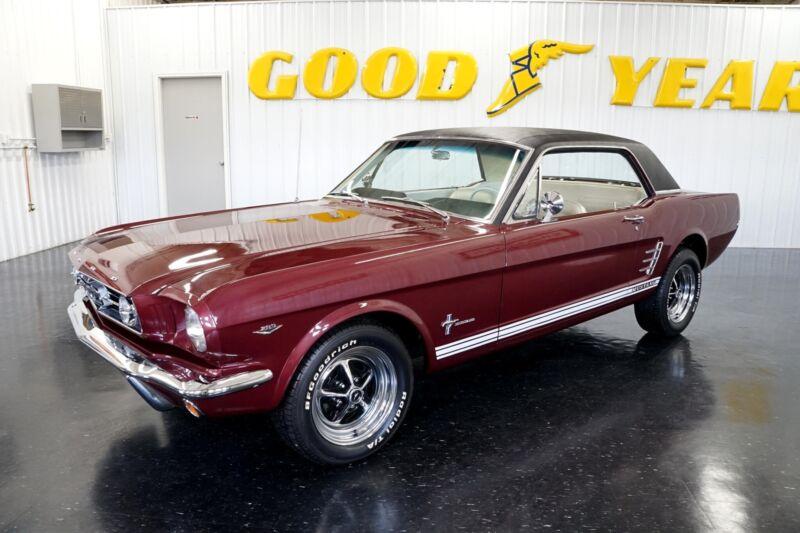 Image 2 Coche Americano de época Ford Mustang 1965