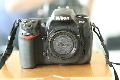 Nikon D300 12.3MP Digital SLR Camera body in excellent condition boxed