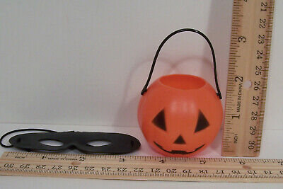 Black Girl For Halloween (2pc BLACK Mask & Halloween Trick-Treat Pumpkin Holder For 18