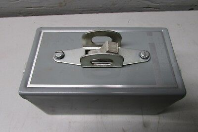 Square D Class 2510 Type Kg-2 Manual Motor Starter Switch