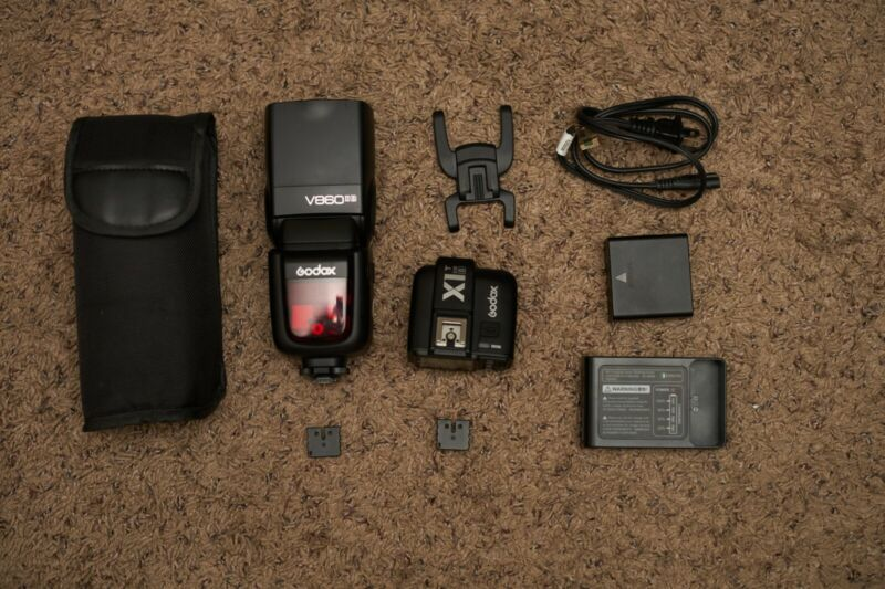 Godox Ving V860IIS 2.4G TTL Flash for Sony with trigger X1T-S wireless trigger