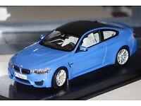 Paragon 80432339607 M4 Coupe BMW blau   2014 1:18 NEU in OVP SALE