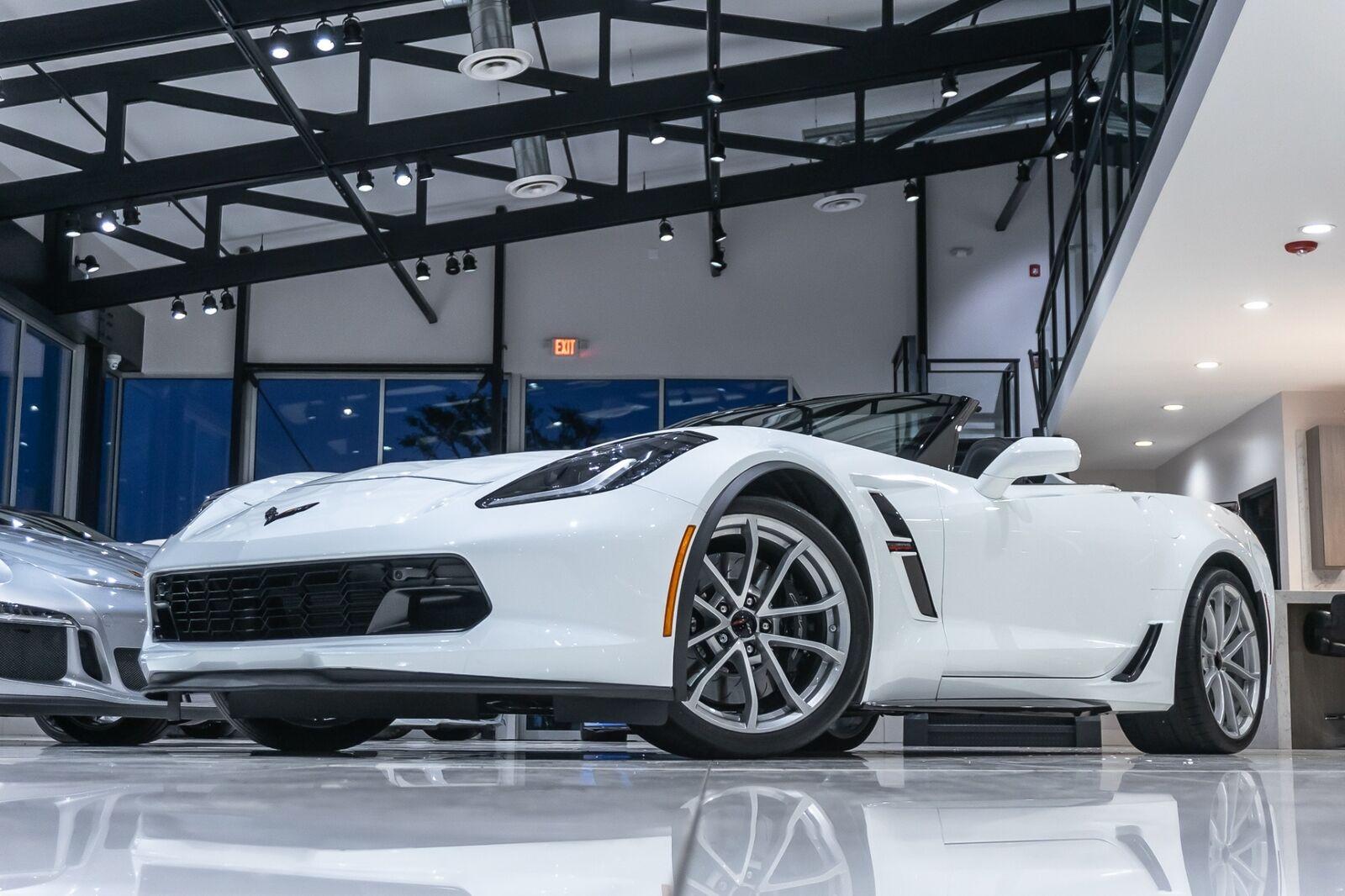 2019 White Chevrolet Corvette Convertible 2LT | C7 Corvette Photo 3
