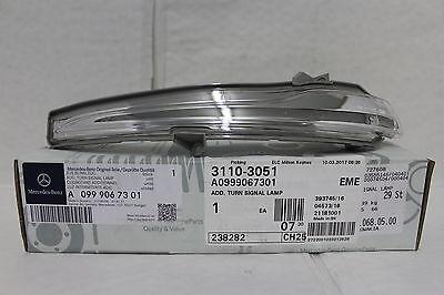 Genuine Mercedes-Benz W205 C-Class LH Mirror Repeater Indicator Lamp A0999067301