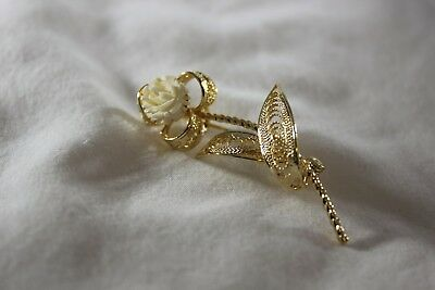 Large WHITE Flower Filigree Detail Fancy FASHION PIN BROOCH Gold Metal Brand NEW