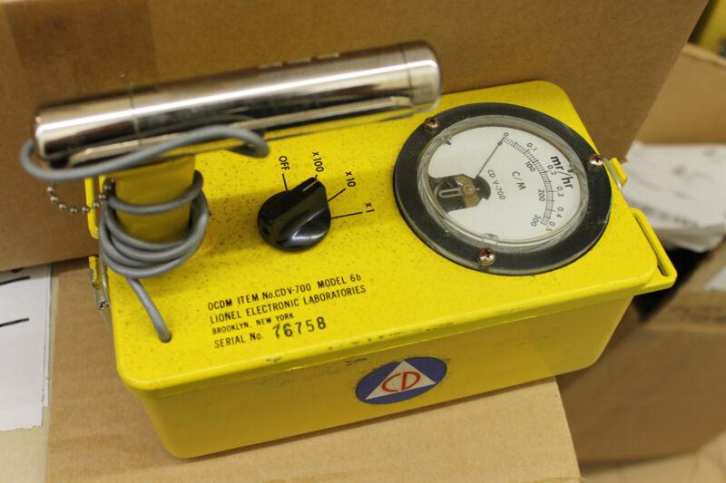 Lionel CDV-700 Geiger Counter Model 6b Civil Defense Radiation Detector