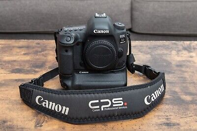 Canon EOS 5D Mark IV 30.4MP with Canon Battery Grip 76k Shutter
