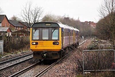 142034+142045 Northern 6x4 Quality British Rail Photo b
