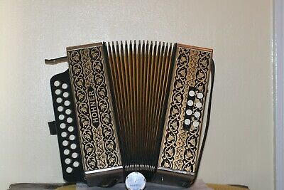 VINTAGE 2 ROW DIATONIC HOHNER ACCORDION IN KEY OF G/C MADE IN GERMANY EXCEL COND