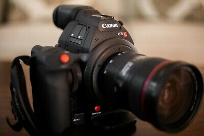 Canon C100 MK II 317 Hours - New Condition. Includes batteries and extras!