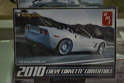 AMT-677 2010 Chevy Corvette Convertible 1/25 Scale Model - NEW